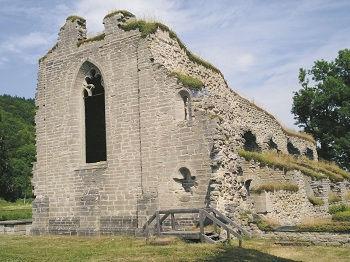Alvastra kloster. Här begravdes Sverker d.y. efter slaget vid Gestilren.