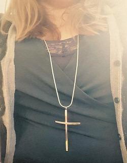 """på facebook-sidan """"Mitt Kors"""" laddar människor upp bilder på sina egna kors i solidaritet med de kristna som förföljs och dödas i världen. Foto: Facebook"""