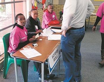 sydafrikas kommuner gick till val. Även om stödet för ANC minskade, har de fortfarande kontroll över landet. ANC har under en längre tid skakats av korruptionsskandaler. Foto: Nya Tider