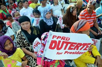 Filippinerna muslimsk gerilla kidnappade civila