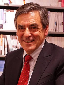 francois-fillon-photo-wikipedia-par-g-garitan_250x330_tn60